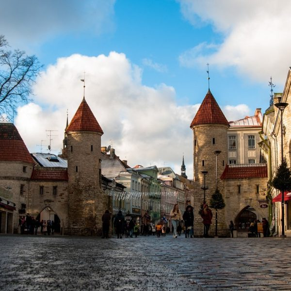 Shore excursion guests explore the Old Town of Tallinn