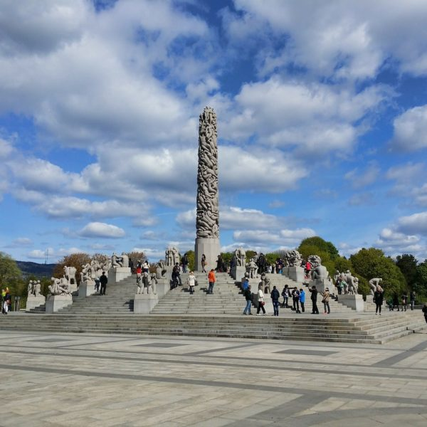 Shore excursion in Oslo: The Vigeland Park in Oslo offers exciting entertainment not only with its sculpture park.