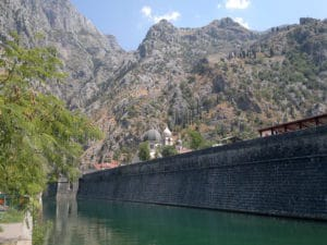 Shore excursion in Kotor: The impressive city wall of Kotor