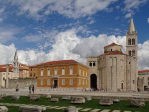 Shore excursion in Zadar: The striking St. Donatus Church in the Old Town of Zadar
