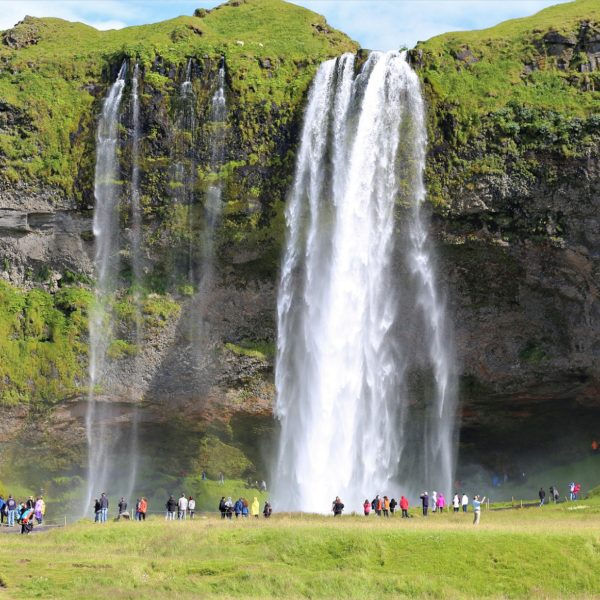 The Seljalandsfoss can be visited behind the waterfall